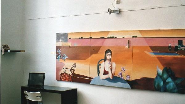 Salle d'exposition permanente. Peinture de Ksenia Milicevic et sculpture de Gérard Lartigue.