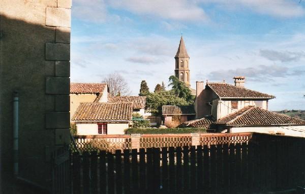 Vu du musée sur le village de Saint-Frajou.